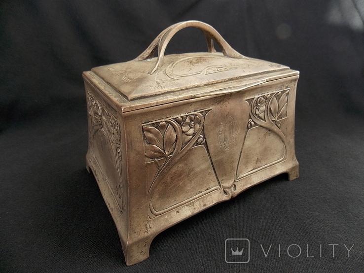 Немецкая серебряная шкатулка мастерской Вильгельма Биндера 800*