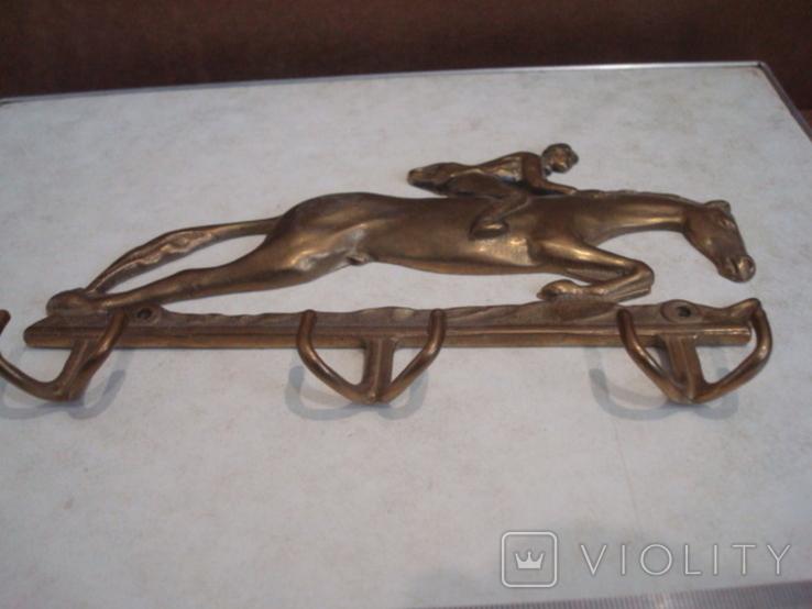 Одёжная вешалка Скачки латунь, фото №4