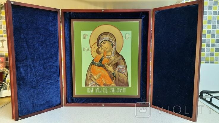 Икона Владимировская в подарочном футляре. Размер иконы 30 на 27 см, фото №2