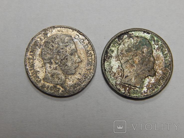 2 монеты по 4 скиллинга, Дания, фото №3