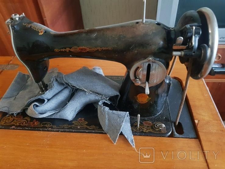 Швейная машинка со станиной, фото №2