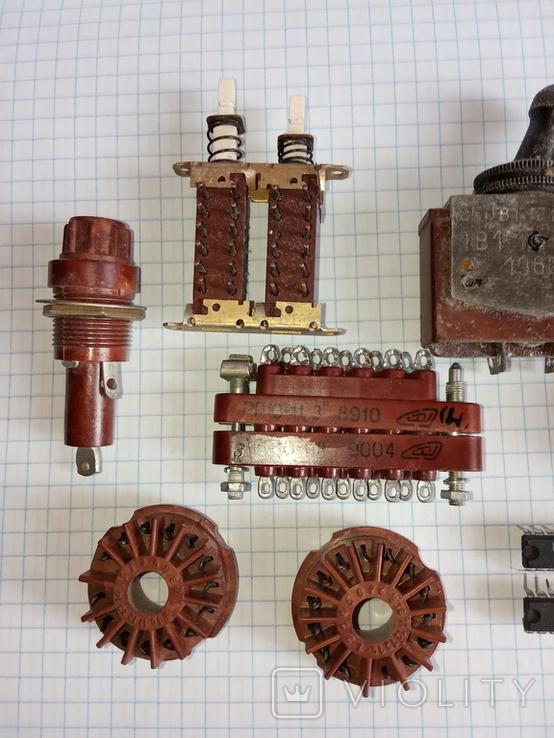 Лот радіодеталей ( Тумблери ТВ1-1 1966р., ТП1-2 78 - 79р., та інше), фото №3