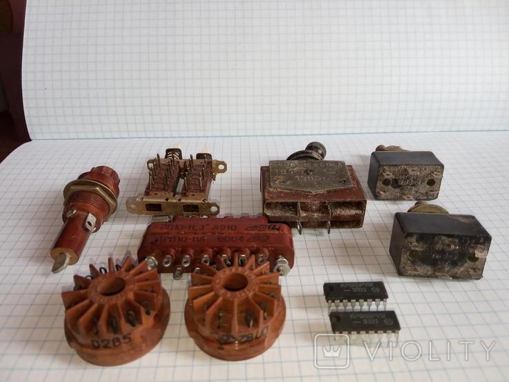 Лот радіодеталей ( Тумблери ТВ1-1 1966р., ТП1-2 78 - 79р., та інше), фото №5