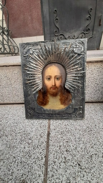 Икона Спас Нерукотворный в серебряном окладе