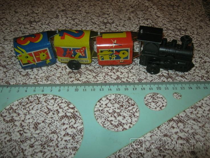 Заводной поезд,СССР. Пластик,сталь. Работает, фото №3