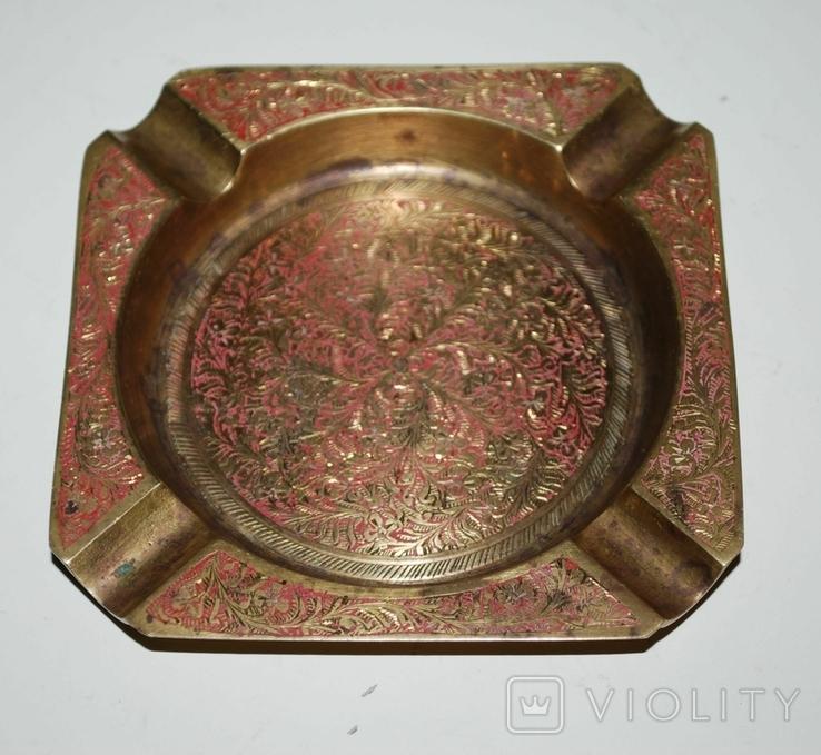 Пепельница для 4-х персон, бронза, гравировка - 11х11х1,5 см./150 грамм, фото №2