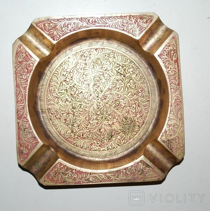 Пепельница для 4-х персон, бронза, гравировка - 11х11х1,5 см./150 грамм, фото №3