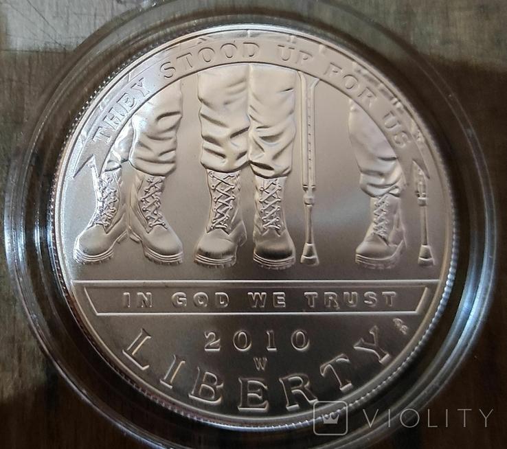 США 1 доллар 2010 г. Инвалиды войны. Серебро., фото №2