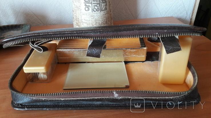 Несессер инструментария для бритья, кожа. СССР, фото №3