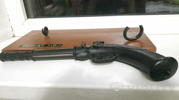 Дуэльный пистолет. (Сувенир СССР Макет пистолета XVIII в СССР, фото №8