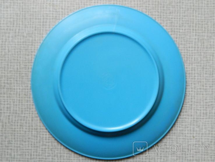 Старинная тарелка из колкого пластика, фото №5