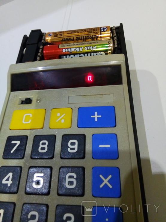 Калькуляторы Электроника Б3-23 в чехле и Sharp, фото №3