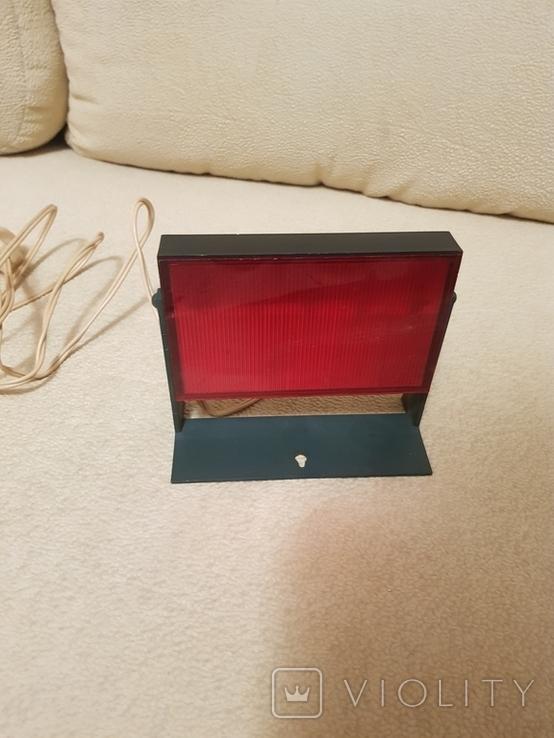 Красный фонарь для проявки фотографий, фото №2
