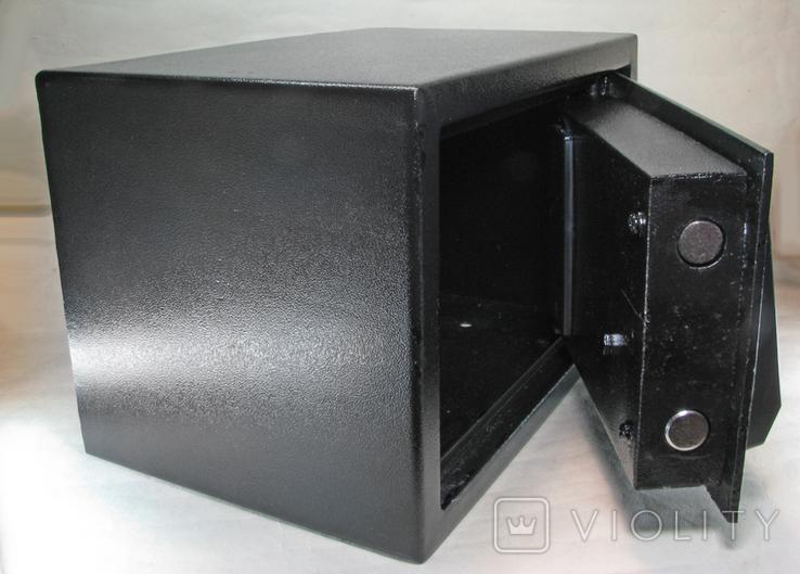 Металлический сейф с электронным кодовым замком, фото №5