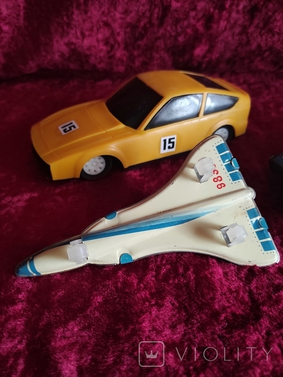 Инерционные модели машинки времён СССР 2 шт + самолёт жестяной, фото №4