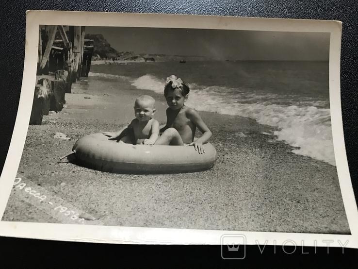 1956 Одесса Берег Дети с кругом, фото №2