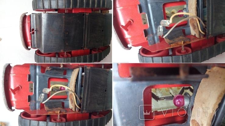 3443 детская игрушка из СССР на батарейке с лампочкой гусеничный трактор, фото №9