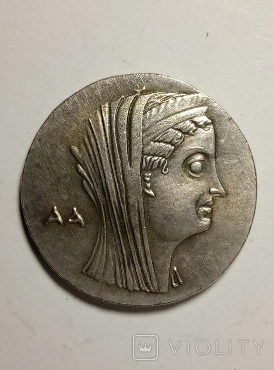 Древняя Греция копия монеты посеребренная г81, фото №2