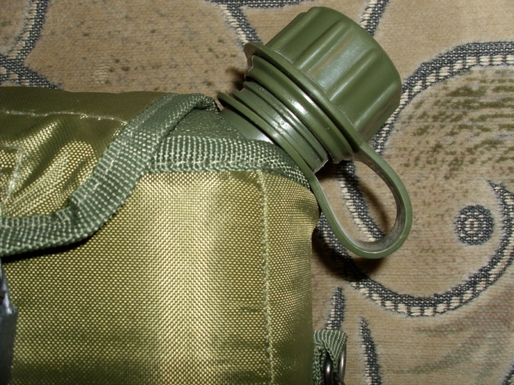 Фляга пластиковая USA 2QT с чехлом олива и ремешком через плечо (Mil-Tec, Германия), фото №9