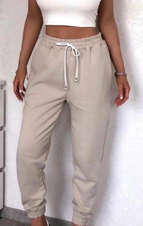 Штаны женские теплые спортивные джогеры на флисе бежевые, фото №2