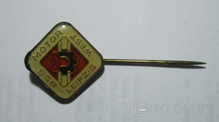 Знак спортивного общества BSG Motor West Leipzig, фото №2