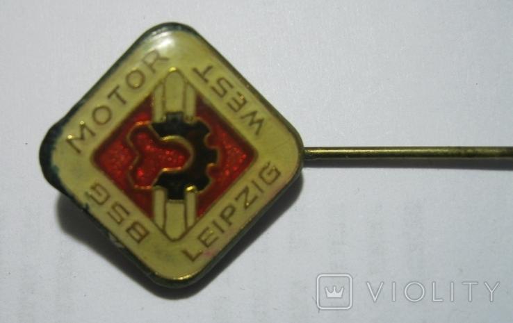 Знак спортивного общества BSG Motor West Leipzig, фото №3