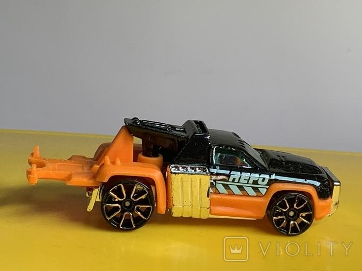 1/64 Hot Wheels Repo Duty 2012, фото №3