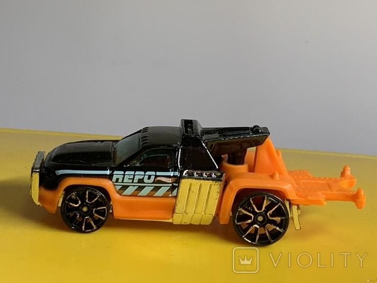 1/64 Hot Wheels Repo Duty 2012, фото №4