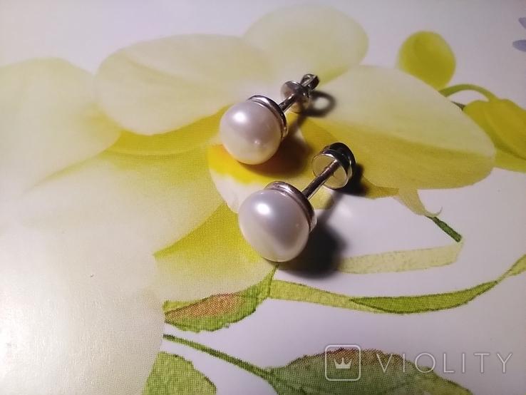 Срібні сережки з натуральними перлинами на закрутках, фото №2