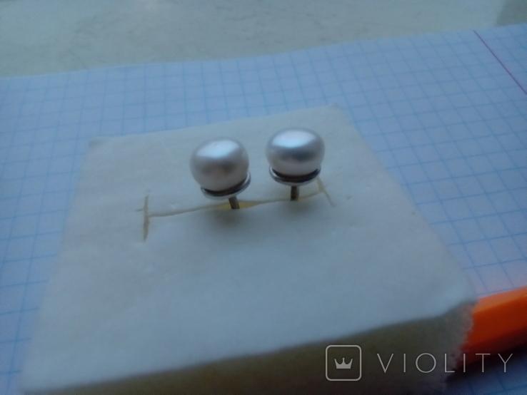 Срібні сережки з натуральними перлинами на закрутках, фото №9