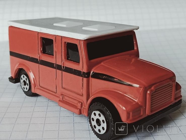 Модель Armored Van, Maisto, фото №2