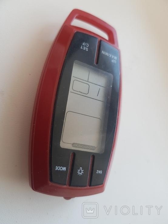 Брелок с цифровым термометром,фонариком и компасом, фото №2