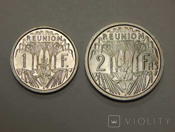 1 и 2 франка, 1948 г Реуньон, фото №2