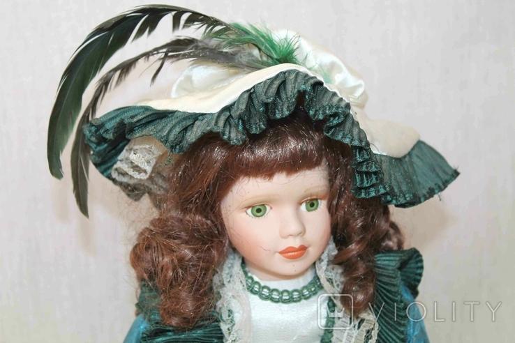 Винтажная фарфоровая кукла на подставке 41 см, фото №3