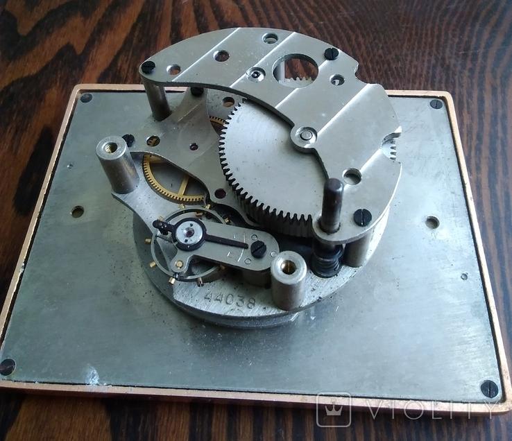 Механизм от настольных часов ЧЧЗ (на запчасти), фото №2