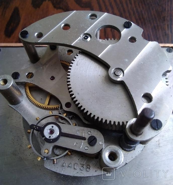 Механизм от настольных часов ЧЧЗ (на запчасти), фото №5