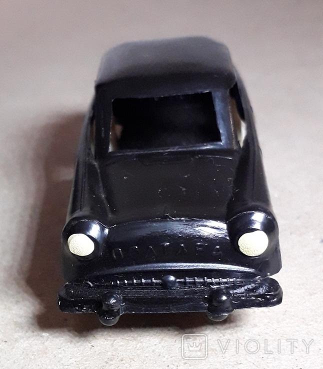 Машинка из прошлого 50-60-х годов СССР ПОЛТАВА Москвич (колкий пластик,клеймо), фото №4