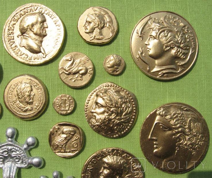 Фибулы и античные монеты. Копии, в раме без стекла, 41х22 см, фото №9