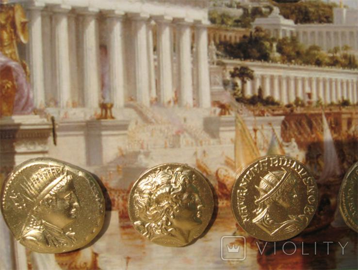 Золотые монеты античности, древний Византий. Копии, со стеклом, 24х19 см., фото №7