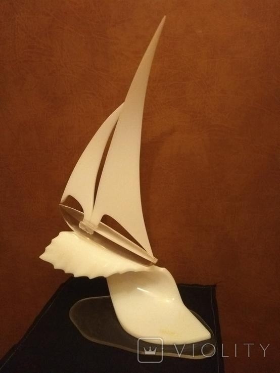 Яхта на волне (большая-оргстекло), фото №2