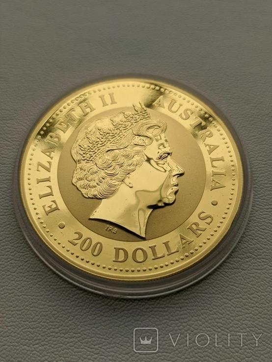 Австралия 200$ год Лошади 2002 год 2 унции золота 9999`, фото №2