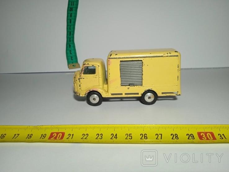 Karrier Bantam грузовик с будкой Corgi, фото №2
