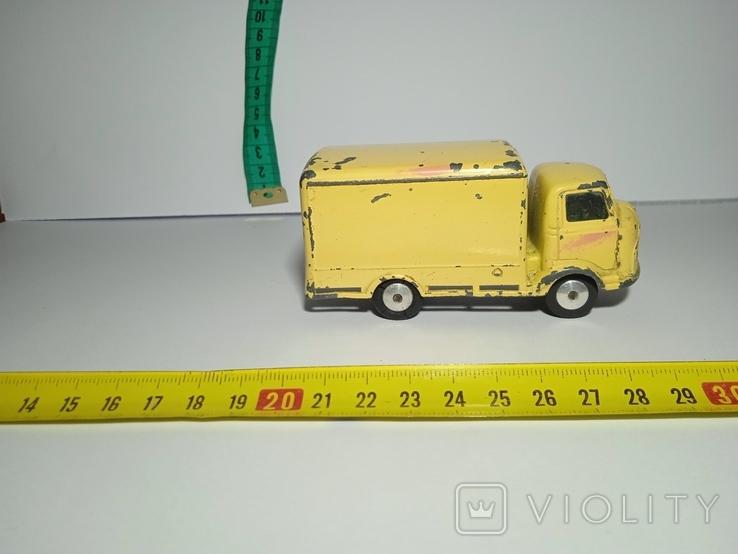 Karrier Bantam грузовик с будкой Corgi, фото №4