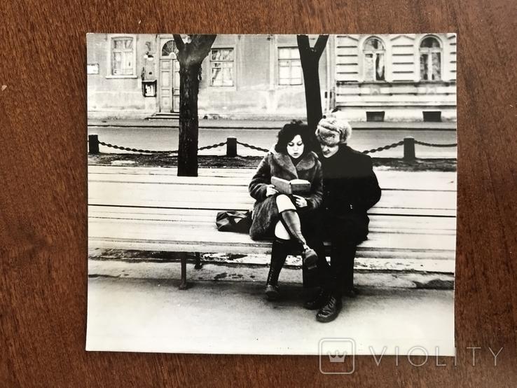 Одесса На бульваре с книгой, фото №2