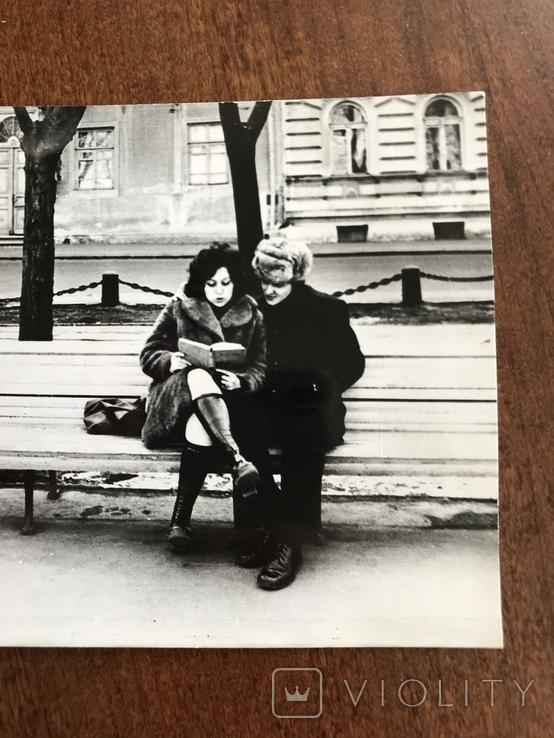 Одесса На бульваре с книгой, фото №4