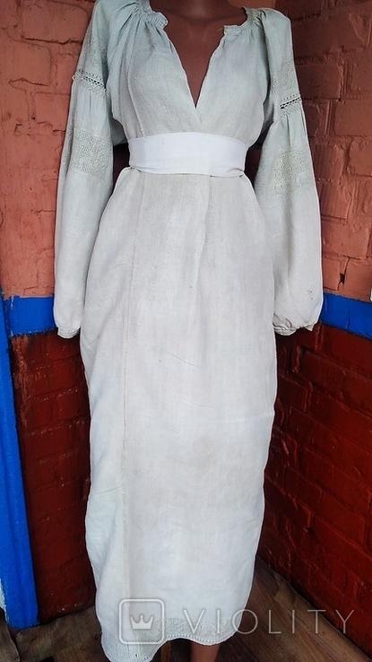 Старинная вышиванка с выкалыванием узора на полотне, фото №3