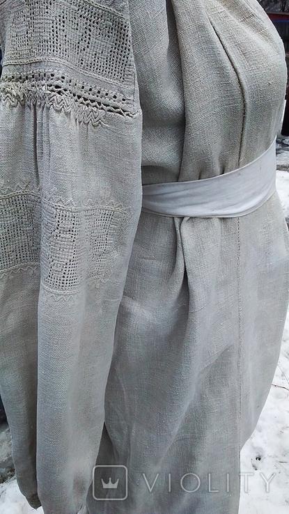 Старинная вышиванка с выкалыванием узора на полотне, фото №8