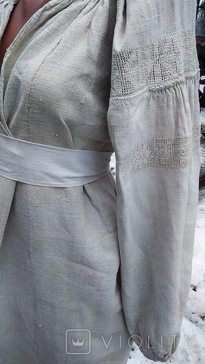 Старинная вышиванка с выкалыванием узора на полотне, фото №2