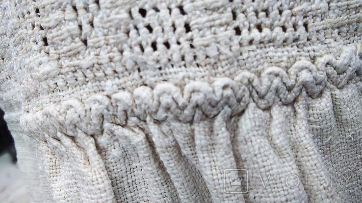 Старинная вышиванка с выкалыванием узора на полотне, фото №11