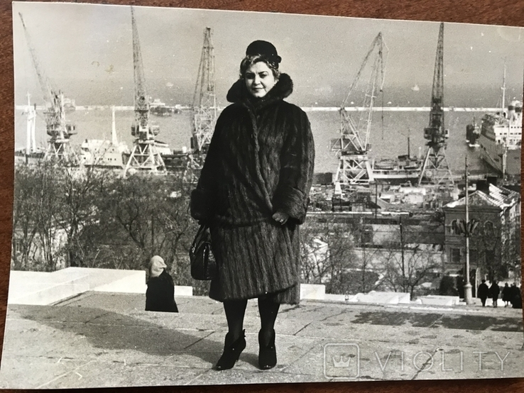 Одесса Дама в шубе Порт Краны, фото №7